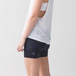 Lululemon what the sport shorts camo